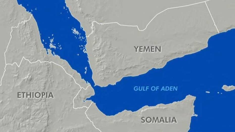 US Navy seizes hundreds of guns in Gulf of Aden