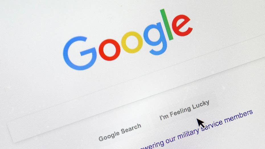 How does Google rank its news search results?