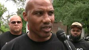 Fox News political analyst Gianno Caldwell meets with residents, gang members from Chicago's worst hit communities.