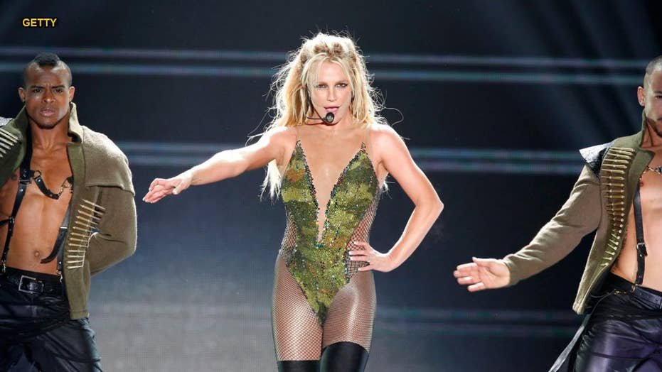 Britney Spears booed during final 'Piece of Me' tour show