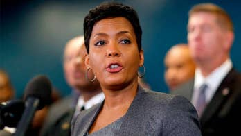 Mayor Keisha Lance Bottoms has also signed an executive order to remove all ICE detainees from the Atlanta jail system. Los Alamitos City Mayor Troy Edgar reacts on 'Fox News @ Night.'