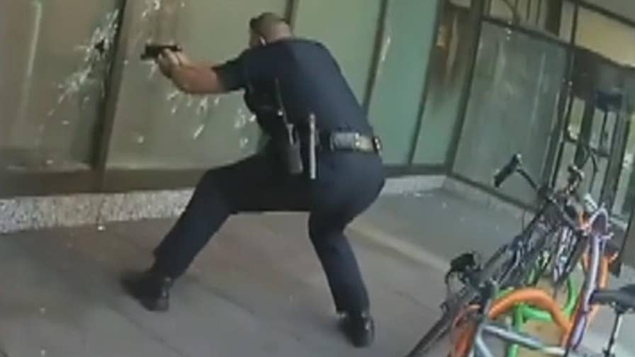 Raw video: Extended body camera footage shows officers responding to active shooting incident at the Fifth Third Bank building in Ohio.