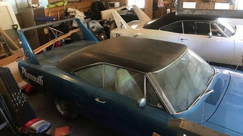 Discovered: Two 1970 Plymouth Superbirds parked for over 30 years