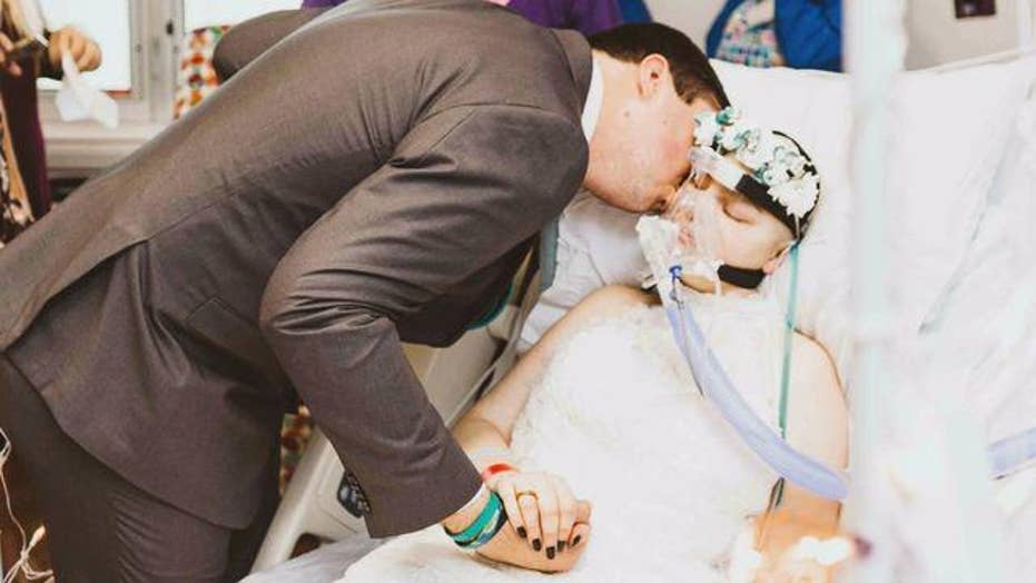 Childhood friends marry days before bride's cancer death