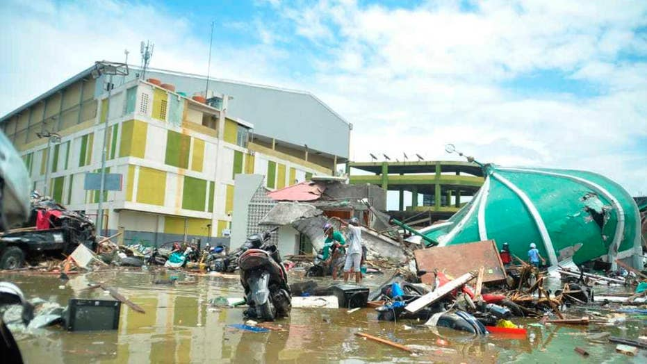 Death toll tops 800 in Indonesia after earthquake, tsunami