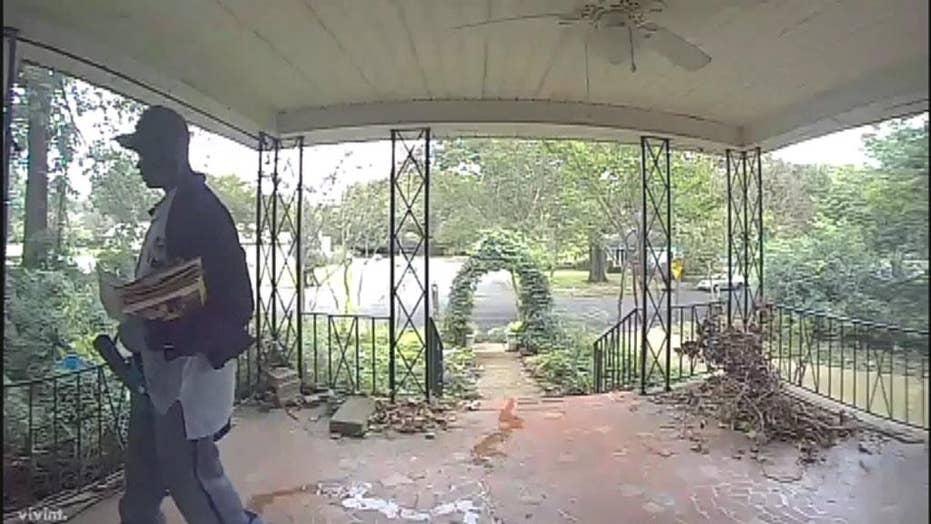 Tenn. mailman caught urinating on front porch