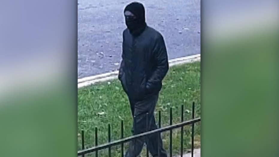 Same gun linked in killing of two Chicago men, police say