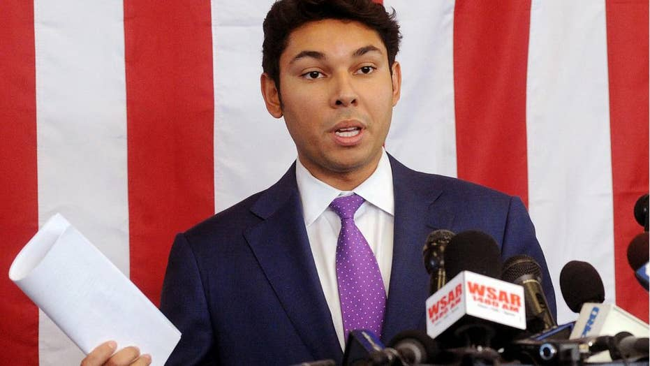 Massachusetts mayor refuses to step down after arrest