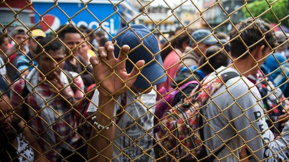 Migrant caravan arrives at Guatemala-Mexico border