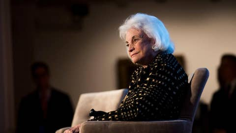 Sandra Day O'Connor announces she has dementia