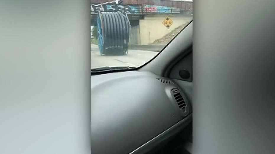 Giant industrial spool delays Texas traffic