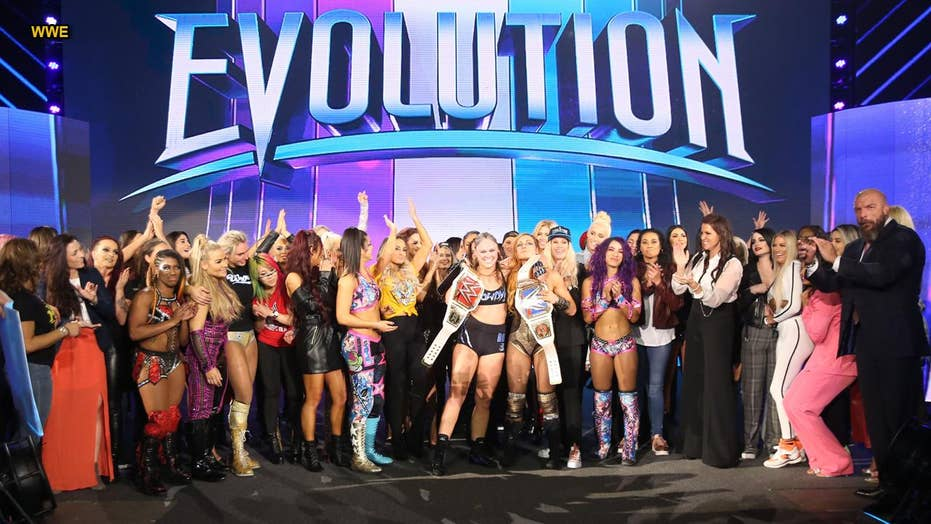 WWE 'Evolution': First-ever all-women event
