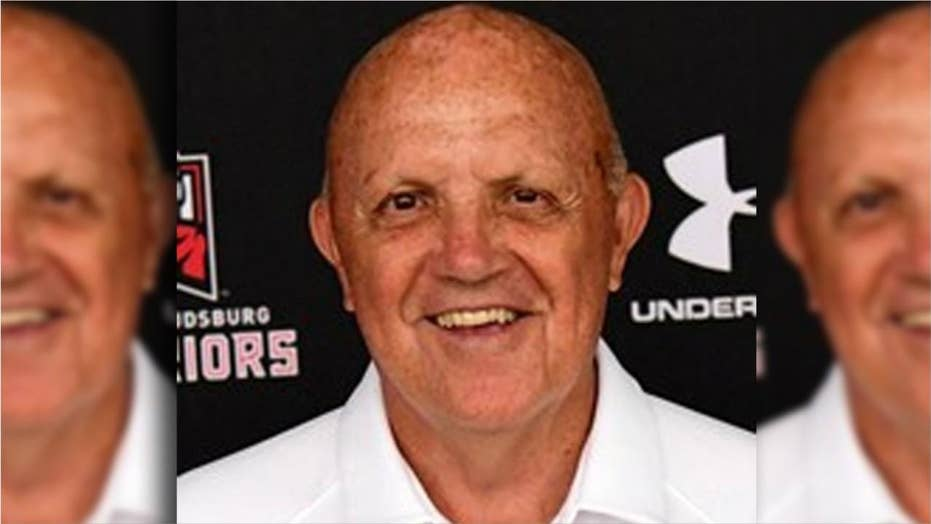 Legendary college football coach calls 4th time out