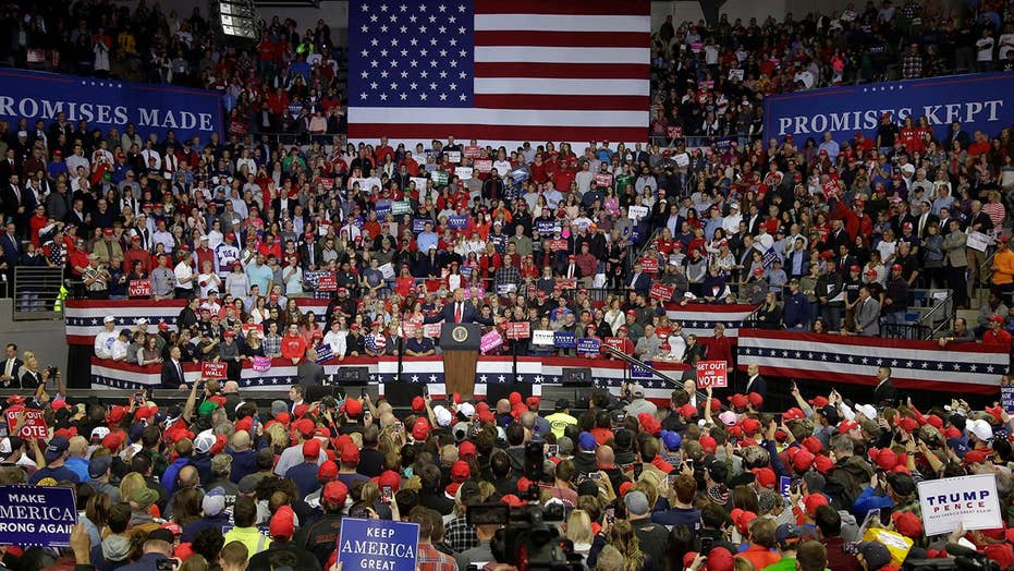 Crowd sings 'Amazing Grace' at Trump rally in Missouri