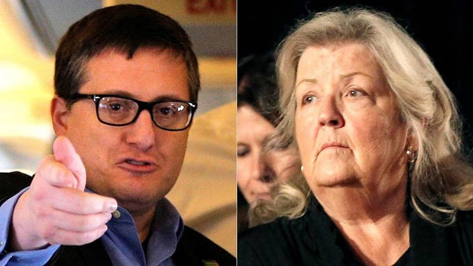 Former Hillary Clinton adviser says Juanita Broaddrick is 'full of s---'