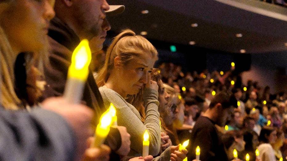 Country stars react to deadly California bar mass shooting
