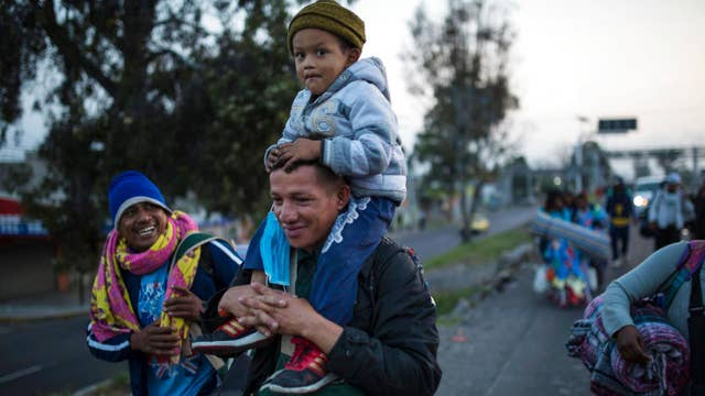 Migrant caravan leaves Mexico City for US border