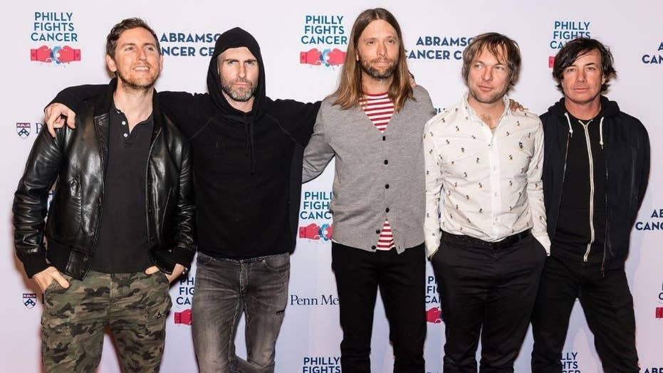 Thousands petition for Maroon 5 to boycott Super Bowl