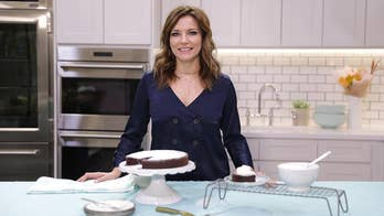 What Martina McBride makes for an easy Thanksgiving dessert