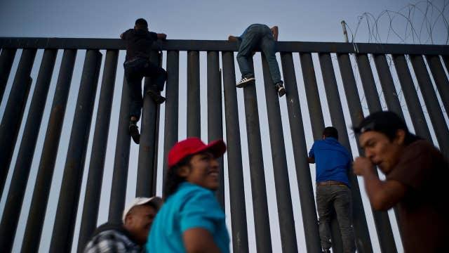 Migrant caravan clashes with residents of Tijuana