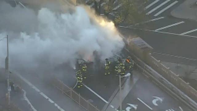 Fiery crash on the Brooklyn Bridge kills 1, injures 5