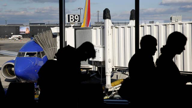 Airports brace for delays amid surge in Thanksgiving travel