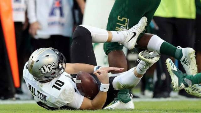 UCF star quarterback suffers a major knee injury during game