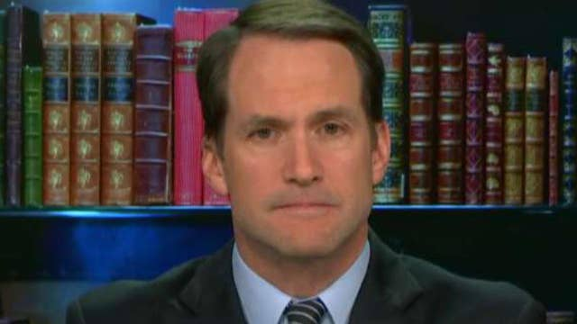 Rep. Himes: WH lying about threat posed by caravan