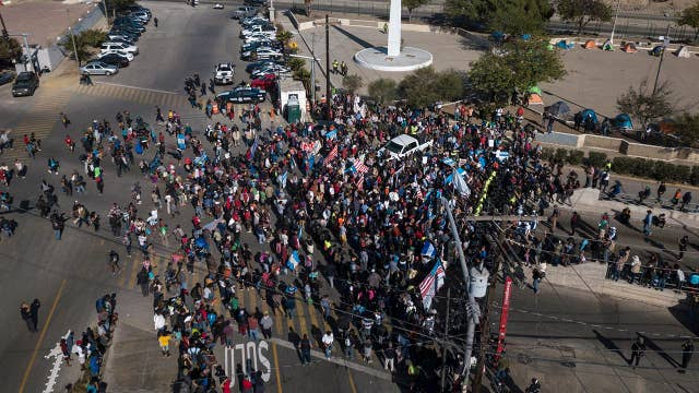 US locks down busy Mexico border crossing