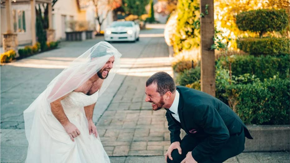 Best man surprises groom with 'first look' prank