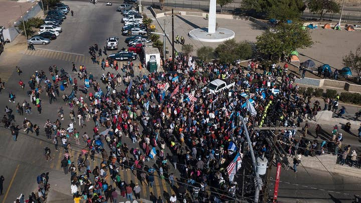 DHS: 600 criminals traveling with caravan