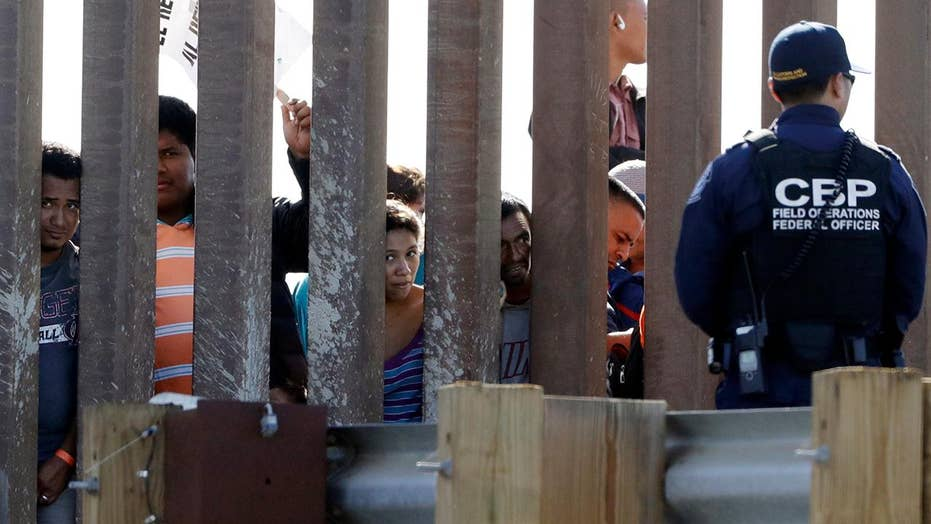 Border Patrol: Nearly 1000 migrants rushed border crossing