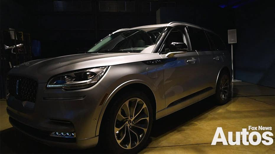 The 2020 Lincoln Aviator Can Fly Down Road