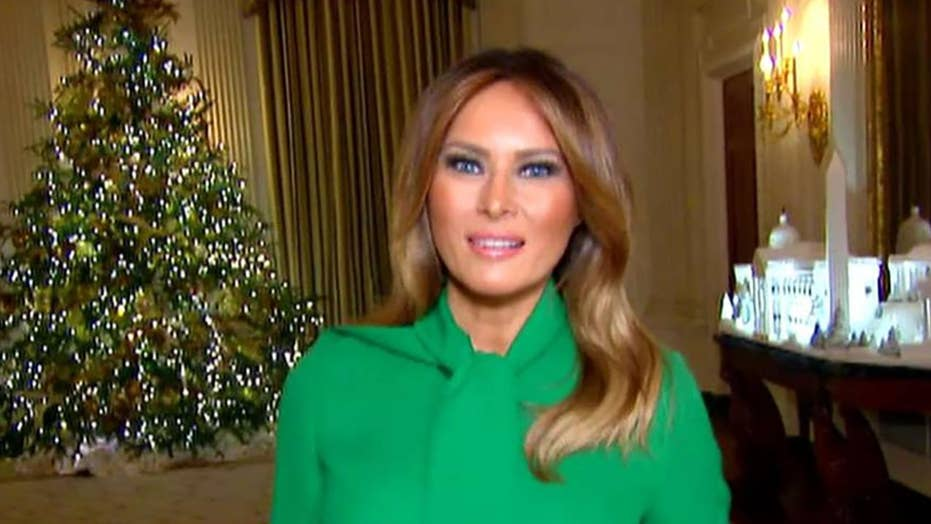 Note To Fox News This Is Not Palm Tree >> Melania Trump Shows Off White House Decorations And Reveals