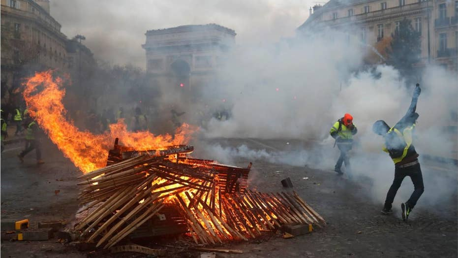 French protesters turn violent, 107 arrested