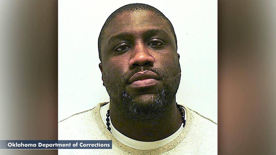 Manhunt underway after convicted murder escapes