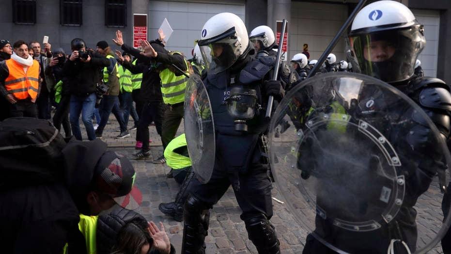 'Yellow Jacket' riot engulfs Paris