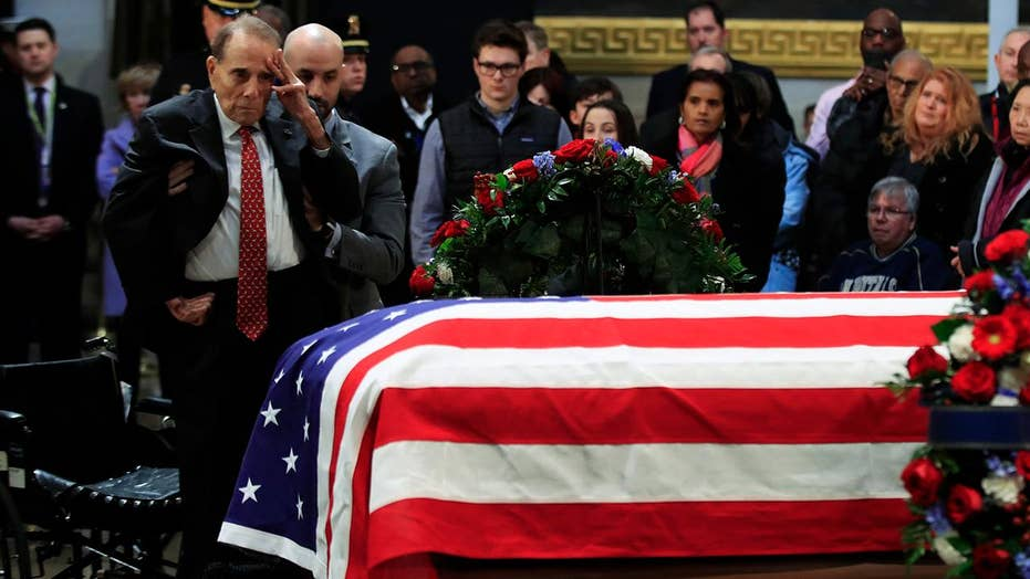 Bob Dole pays respects to former President George H.W. Bush