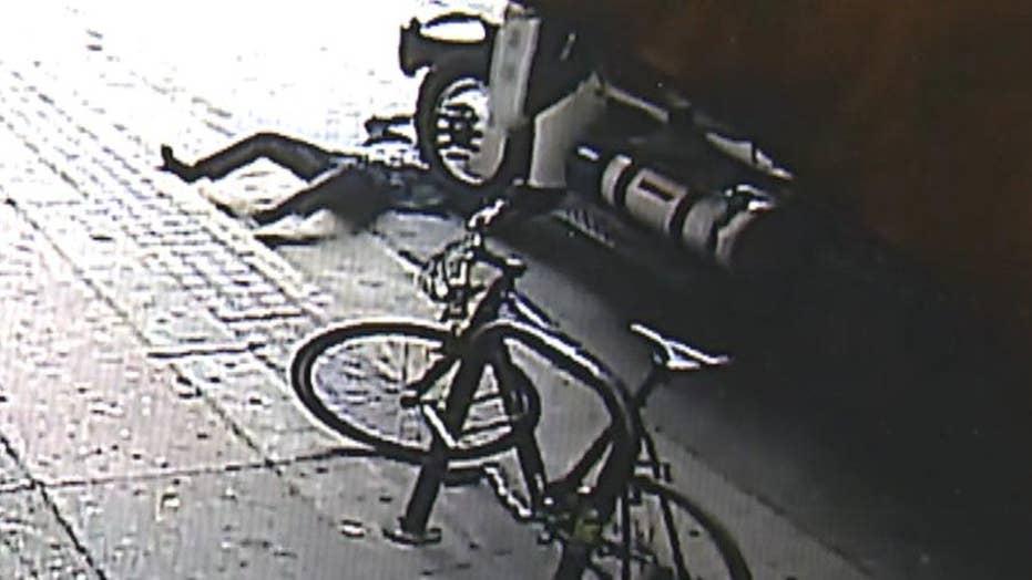Calif. man pushes stranger into traffic