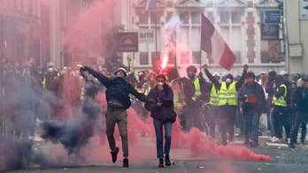 Paris erupts in violence for fourth weekend