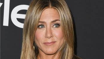 Jennifer Aniston tells Ellen DeGeneres about her nude habit