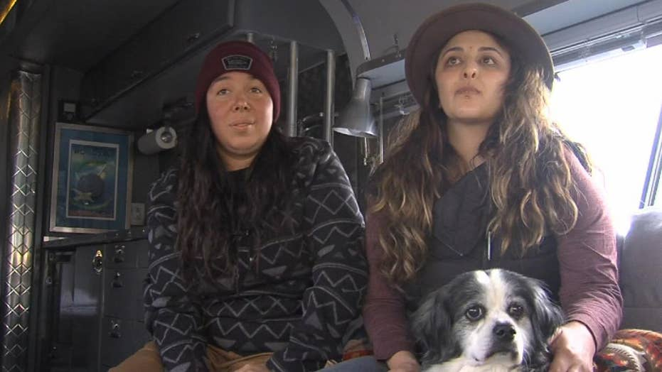 Stranger donates bus to couple who lost home in Camp Fire