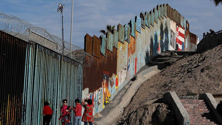 Trump to meet with Dem leaders amid wall funding battle