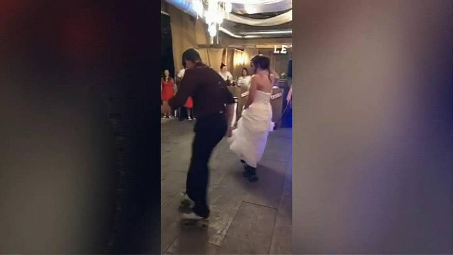 Wedding guests wowed by father-and-daughter dance