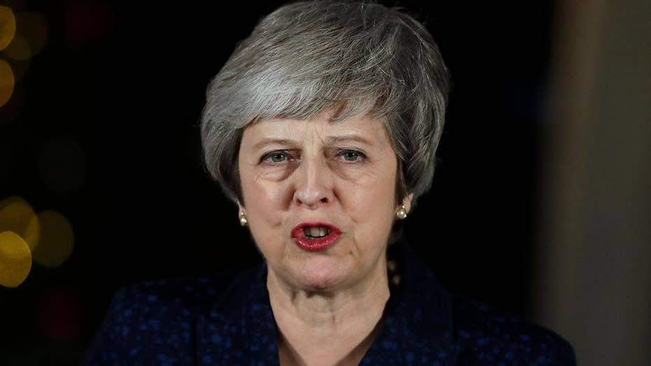 UK PM May survives no-confidence amid Brexit turmoil