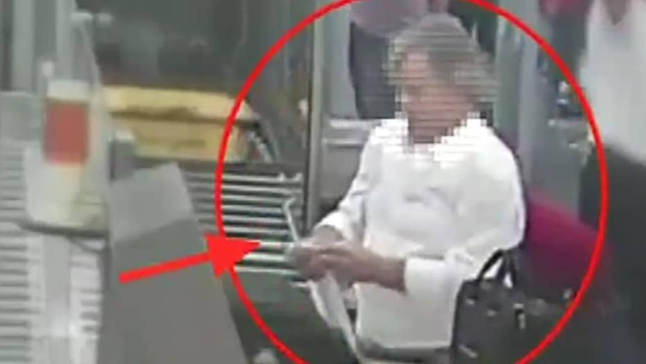 Thief caught stealing $9,000 in Rome airport