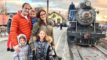 Julie Banderas takes family on North Pole Express through the Valley Railroad in Connecticut for a new holiday tradition