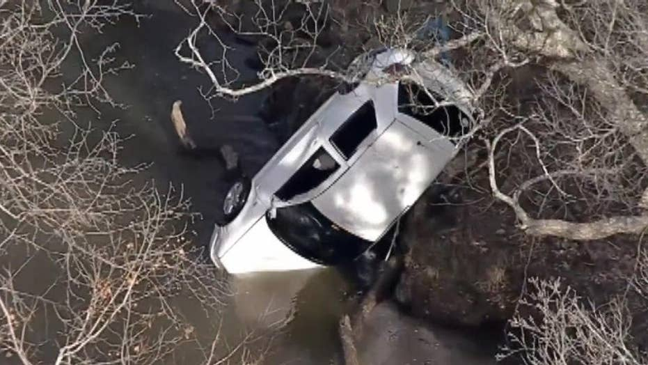 Police recover bodies of missing Texas brothers from submerged car