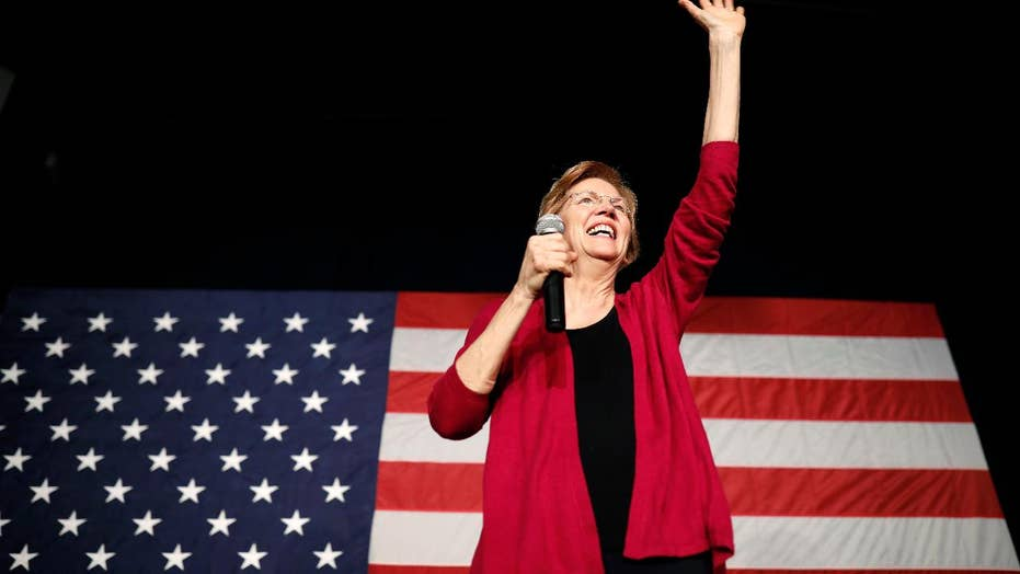 Senator Elizabeth Warren attends an organizing event at the Manchester Community College in New Hampshire