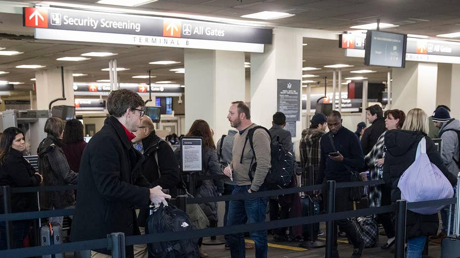 Passengers report hour-plus wait times at domestic security checkpoints in Atlanta